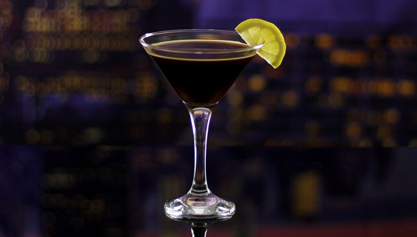 Geeky Cocktails: The Dark Knight Cocktail Recipe