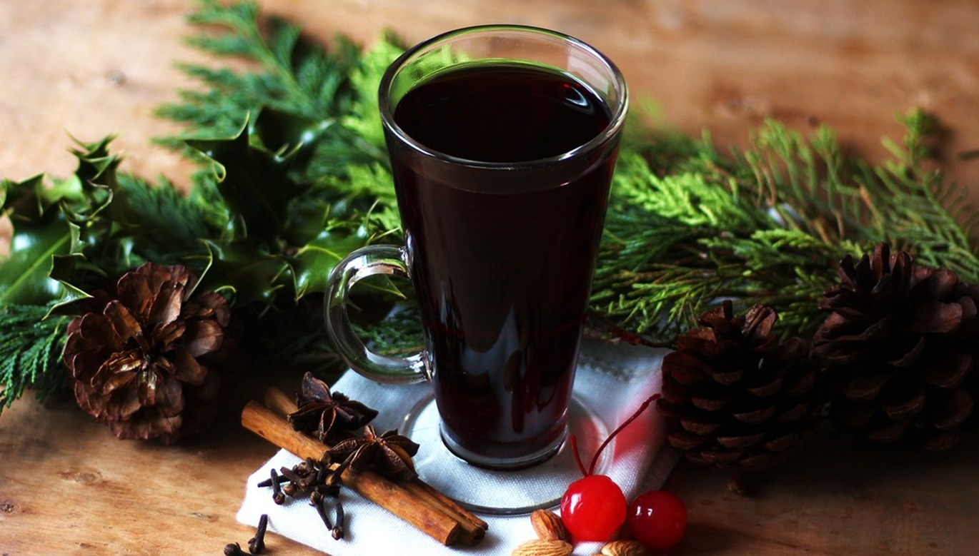Glogg, Scandinavian Mulled Wine Recipe