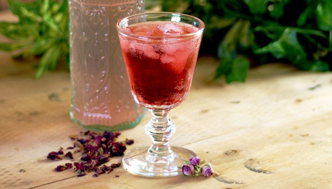 Rose & Raspberry Gin Rickey Recipe